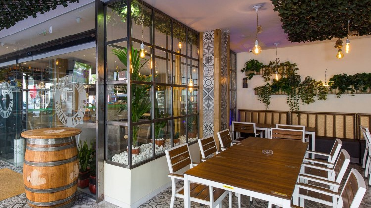 "Reforma Restaurant ""Kat May"""